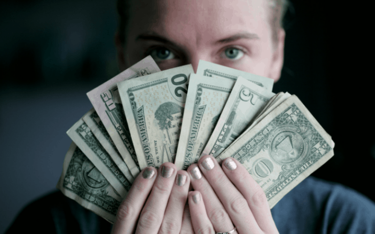 10 Tricks to Help Your Teen Learn to Budget